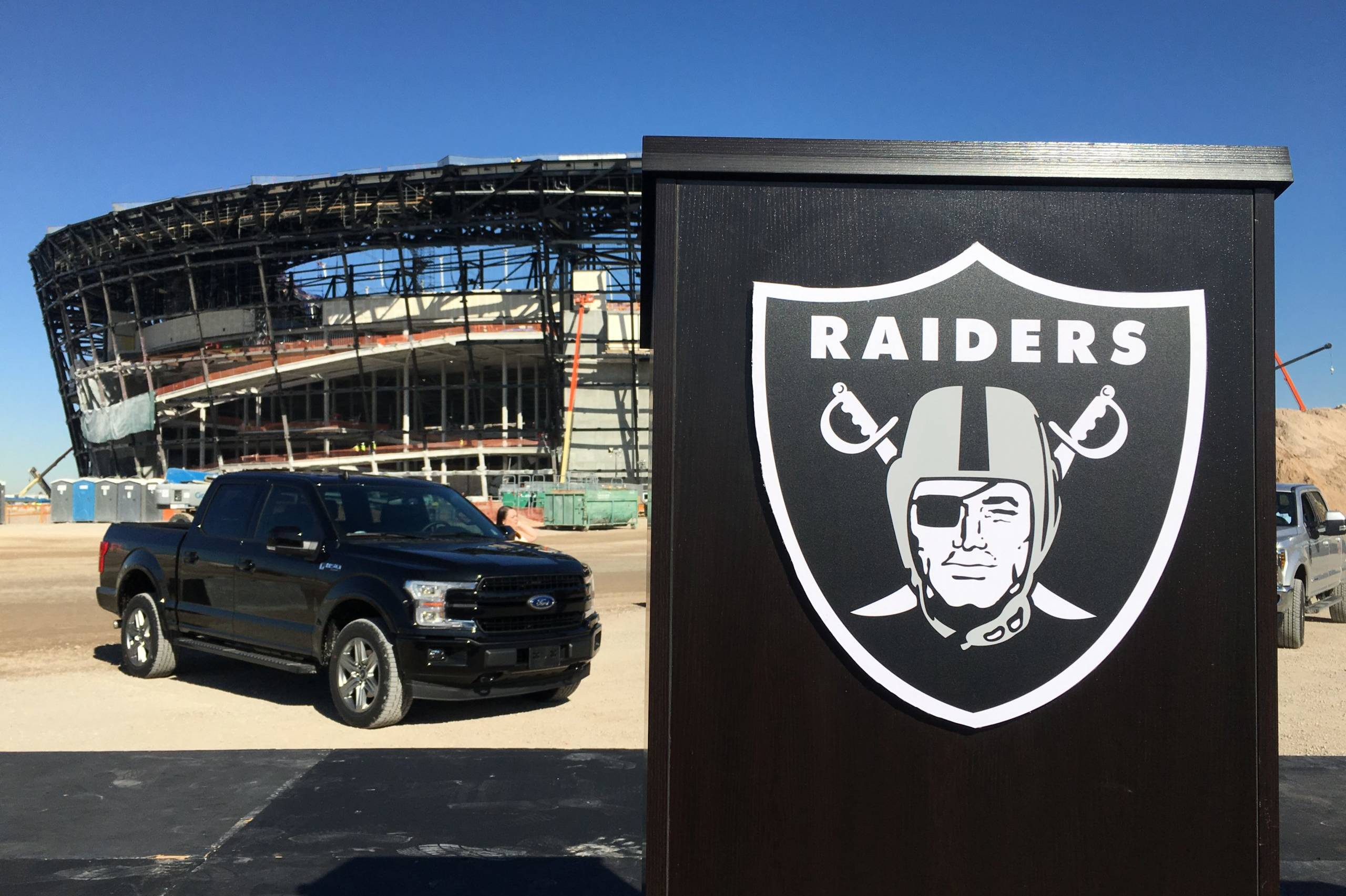 Las Vegas Vegas Raiders inspiring the community - Desert Ford Dealers
